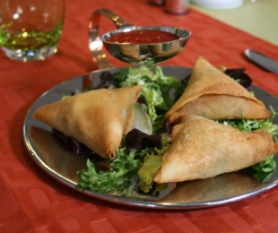 Vegetable or Meat Samosa